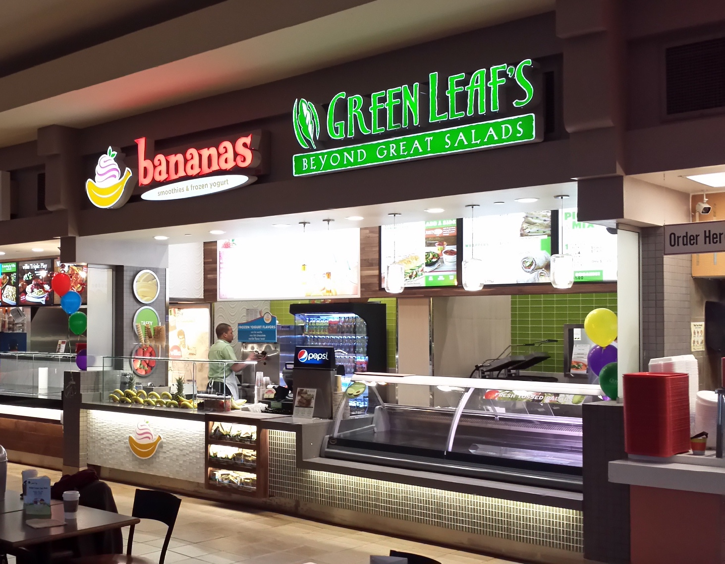 Green Leaf's & Bananas store front